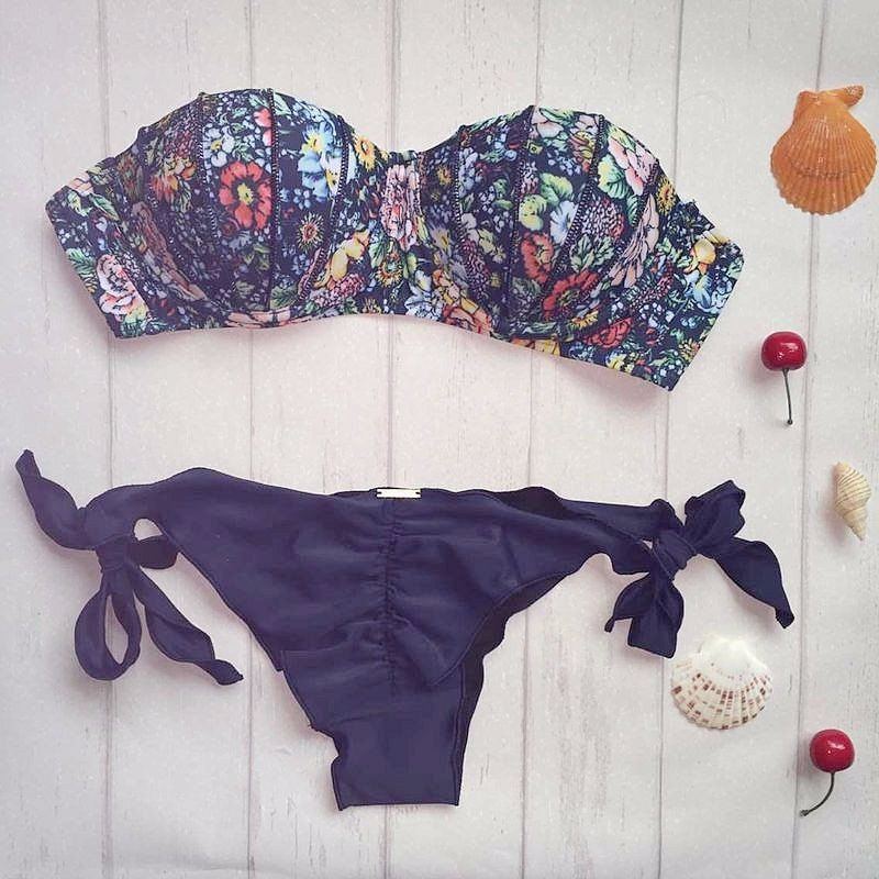 Buy this Brazilian Bikini Blue Floral Pink G-string at the Bumbum Store
