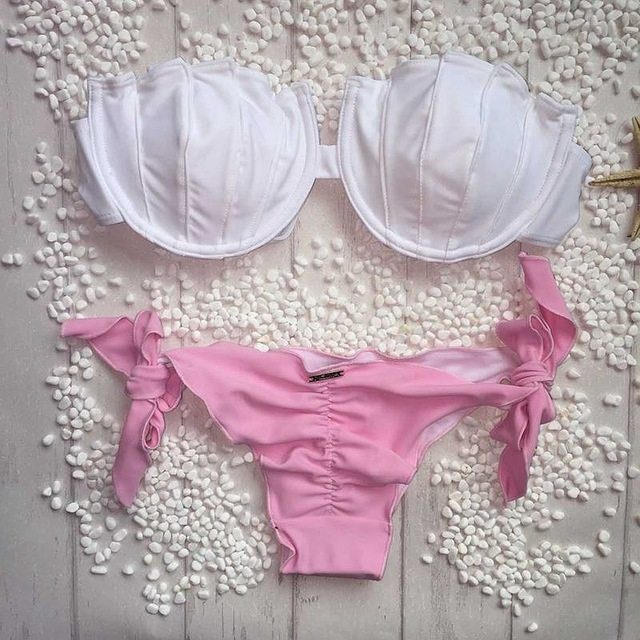 Buy this Brazilian Bikini White Pink G-string at the Bumbum Store